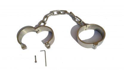 kajdany na nogach, średniowieczne kajdanki więzienne