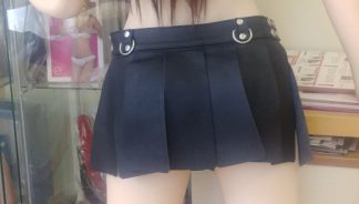 jupe courte en cuir noir
